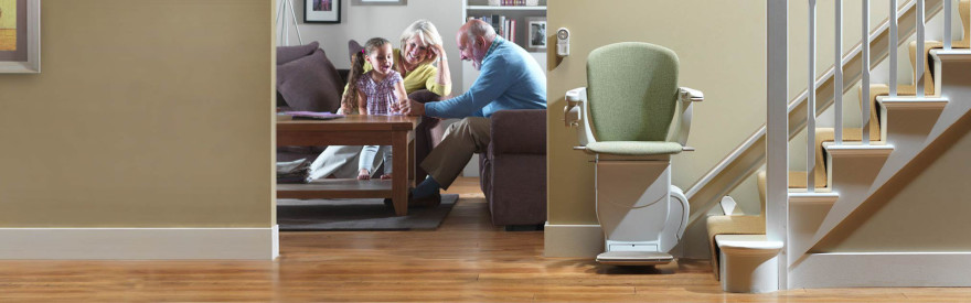 stairlift-stannah-age-in-place-1_bnr